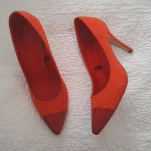 H&M Red Orange Pointy Cap Toe Heels